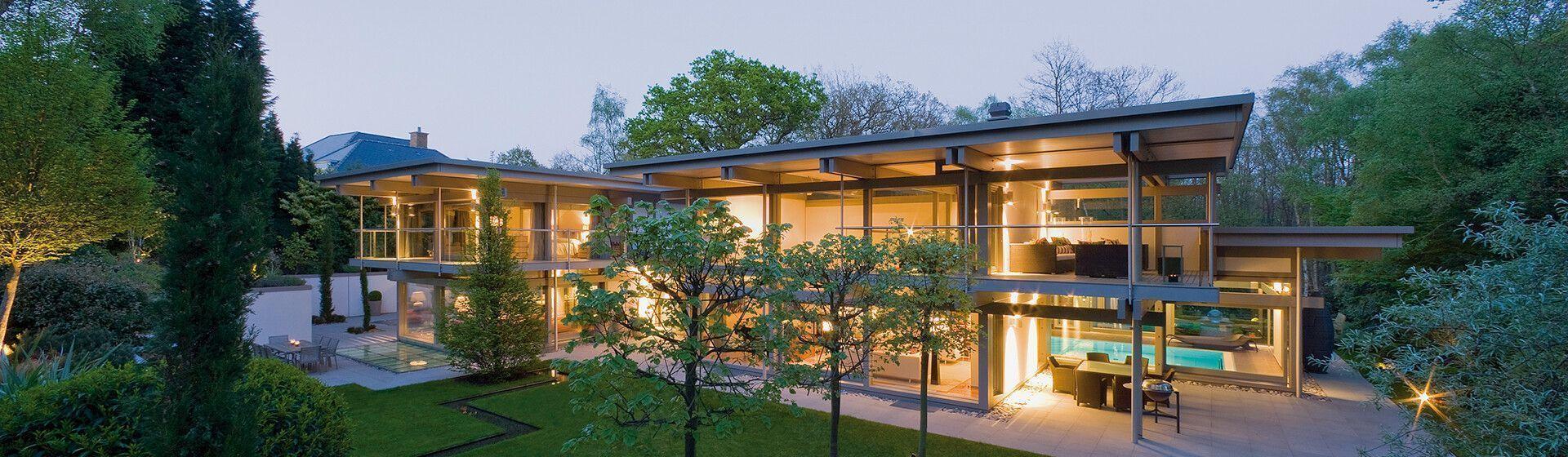 ▷ Kubushaus aus Holz & Glas bauen: stilvoll & zeitlos